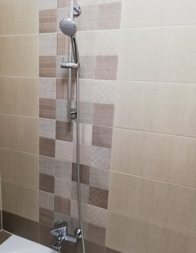 Zuhanyrózsa konzol felszerelése